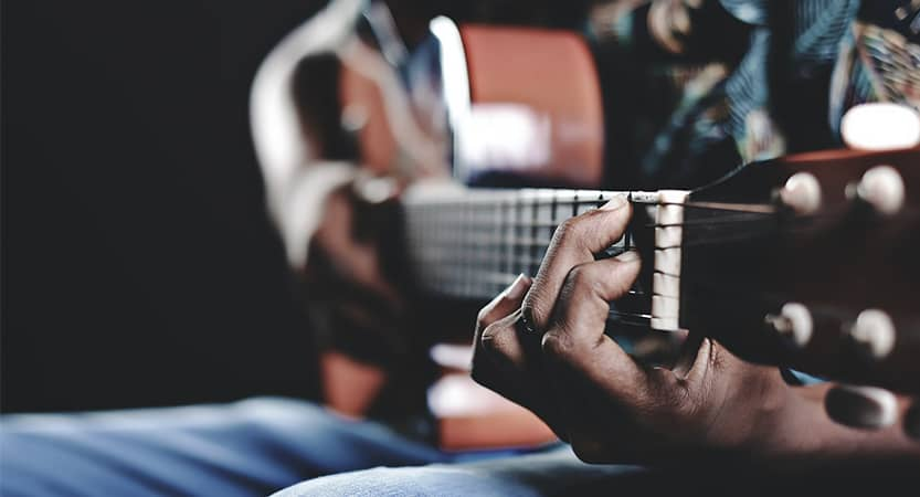 You are currently viewing Michael Kiwanuka  Learn English singing